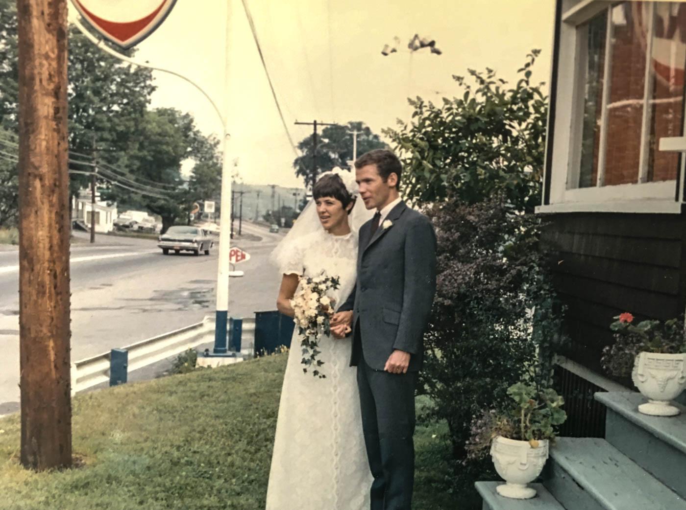 parents wedding fina sign