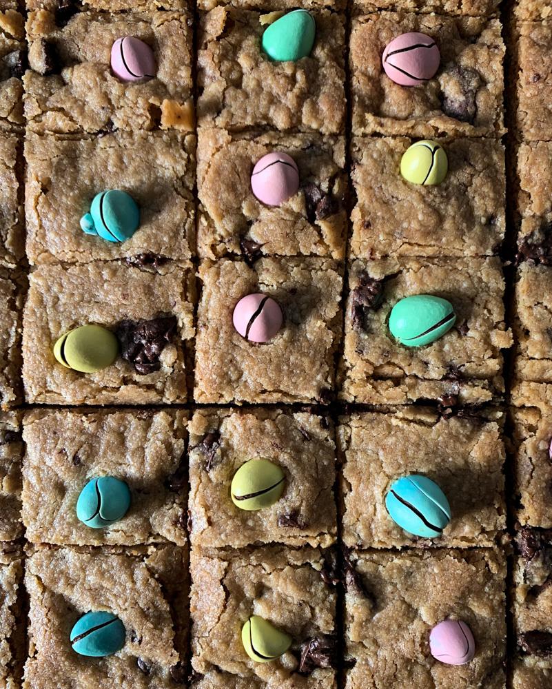 Slab Cookies with mini eggs